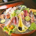 KUSSHI 串男 MAN - 料理写真:豪快!!氷鉢刺身盛り !その日の仕入れたての美味しい刺身が10種前後楽しめます♪