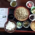 合掌  - そば定食。ごはん、味噌汁、黒豆、おから、野沢菜、もりそば小