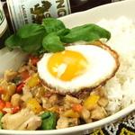 The World Kitchen - 定番!ガパオライス 1000円