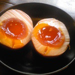 23745360 - 味付卵(100円)は、上品に別皿でw