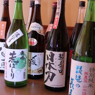 日本各地の地酒から、季節ごとに味わいを変える期間限定酒まで
