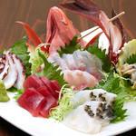 魚々 - 島魚のお刺身盛り合わせ。