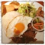 Taka's Kitchen - タイ料理。米食べるべきか‥