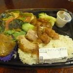 チャンロイ - 「炊き込みご飯とトムヤム春雨炒め」あくまでもカオマンガイトーではありません。