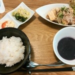 ハッピー サプライカフェ スピカ - happy lunch800円☆メインは豚肉と厚揚げのキノコあんかけ☆因みにスープは写り悪いですが紫芋のスープっぽかったです☆1/21