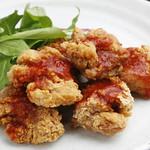 太陽讃歌 - フライドチキンダイキレット♪ 岩手産あべ鶏を使ったさくさくジューシーな唐揚! やみつきになる辛さ!! お店自慢の料理です!