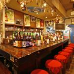 太陽讃歌 - 路地を入ったところにある隠れ家的なお店です。お洒落な雰囲気の中でお食事をお楽しみ頂けます。