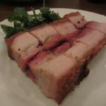 楽記 - 料理写真:皮付き豚バラ肉のクリスピー焼き