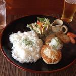 農かふぇ - 鶏とアボカドの豆腐ハンバーグ