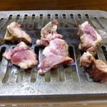 おおはし - まだ中はレアな状態なので、今度は自分のペースで焼いて食べます。(その3)
