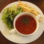 カピアンコーヒー - パスタセットのミネストローネ・サラダ・フライドポテト