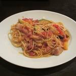 イタリア料理ゴローゾテツ - ベーコンと野菜のトマトソーススパゲティ