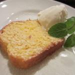 イタリア料理ゴローゾテツ - とうもろこし粉のバターケーキ
