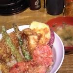 あぶら屋商店 - 野菜天丼