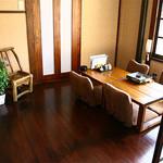かんべえ - 2階はお座敷席です。現在は5テーブル、22名様がご利用いただけます。