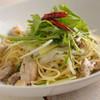 ウエストランプ - 料理写真:チキンと水菜とネギのペペロンチーノ