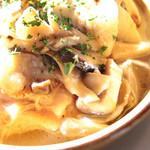 カフェ アムリット - 国産鶏もも肉とキノコのソテー的なもの '13 12月中旬