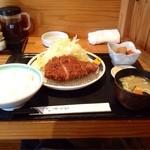 23782458 - 国産厳選豚ロースカツ定食200g1200円