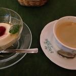 ヴァン・ヴィーノ! - ランチセットA ¥1500 のデザート、コーヒー