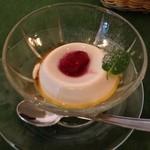 ヴァン・ヴィーノ! - ランチセットA ¥1500 のデザート(パンナコッタ)