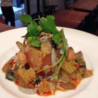凛丹 - ピータン トマト アボカドの胡麻ソース和えサラダ