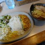 麺家 Dragon kitchen - 日替わりランチ海老玉プレートと半らーめん
