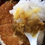 ミノヤランチサービス - 昔、学校給食で食べたカレーに良く似てます。