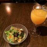 らんぐさむ - 飲み物とサラダ