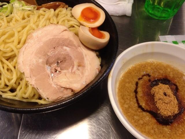 跳馬らーめん - 魚介豚骨つけ麺750円(ランチサービスで茹で前350g)+味玉100円