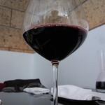 HACHINOJO food・wine - 2杯目からはハウスワインの赤をデキャンタ(500ミリ、2730円)でいただきました
