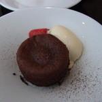 HACHINOJO food・wine - デザート。ふんわりした生地の中から温かなチョコが出てきます