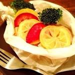 Ms.Plate - 塩漬けレモンと チキンの 包み焼き!カラフルー