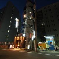 BAR A ZNABLE - ハンディ京橋。こちらのビルの4階です。