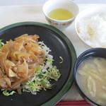 ドミトリー食堂 - 料理写真:スタミナ定食 520円