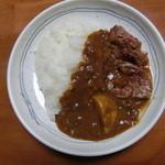 庵 - 家で作ってみました。お皿に盛ったらこんな感じ。ジャガイモとお肉は自前です。