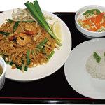 オベリベリ - ランチメニュー(パッタイ)タイ風ビーフン焼きそば Bセット ¥790