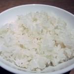 炭焼牛たん東山  - ご飯は麦の入った麦飯、小・普通・大盛りが同じ料金で選べますよ。