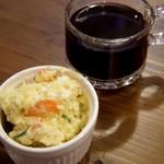 お気楽バル Casa - ホットワインとポテトサラダ