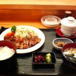 もみじ亭 - 料理写真:生姜焼き定食(ランチ)