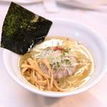どうげんぼうず - 「塩そば」 当店の売りである濁りない清湯スープに麺が良く絡む一品。700円