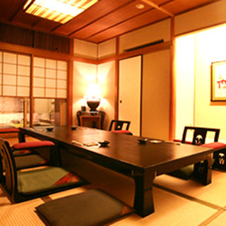 【お座敷席】和の空間がお客様をおもてなし致します。