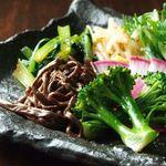 小杉ホルモン - こだわりの季節の野菜・地元の野菜を使用したナムル。日替わりなのでお楽しみ。