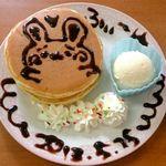 メイド喫茶 フィーユ - ホットケーキ♪