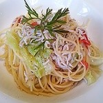 23816115 - 釜揚げしらすと本日の鎌倉野菜のフェデリーニ 白ワイン風味
