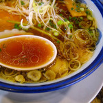 麺蔵 もみじ - 色の濃いスープでした