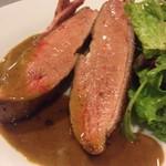 山縣屋 - ビュルゴー家シャラン鴨胸肉のロースト、300gの胸肉一枚分!