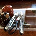 味覚園 - トングを使用すると箸が清潔です