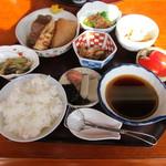 亀山家 - 湯豆腐定食
