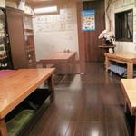 海鮮食堂 い志い - 小上がり。掘り炬燵式テーブルです。