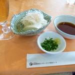 新南愛知カントリークラブ - 2013.12 中途半端なハーフ休憩はビール&おつまみ、、自家製豆腐(370円)